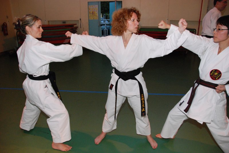 karate club de Saint Maur-Drôles de Dames